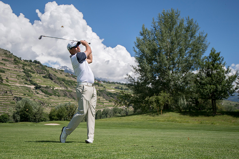 Image of golfer hitting ball