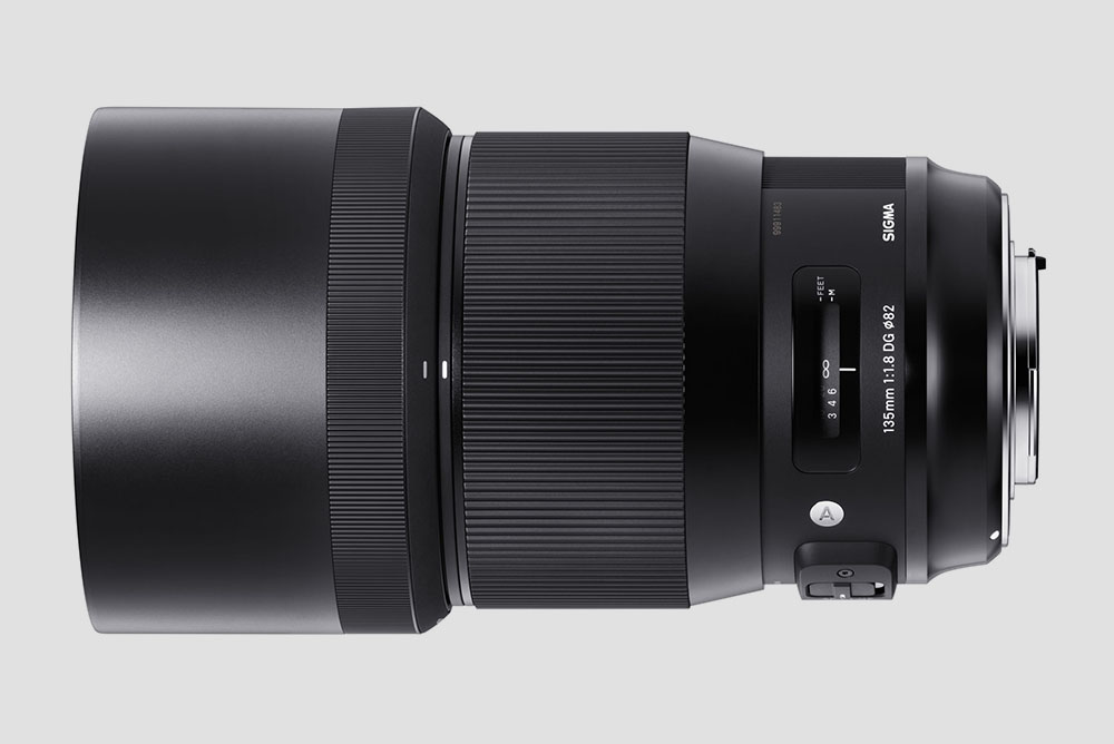 Sigma 135mm f/1.8 art lens image