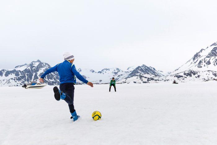 Sea football, Greenland